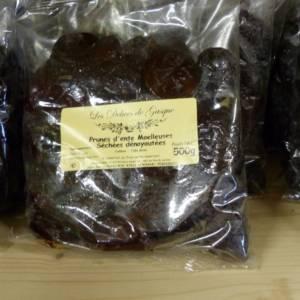 Prunes séchées proposées au magasin de la ferme de Keroudy