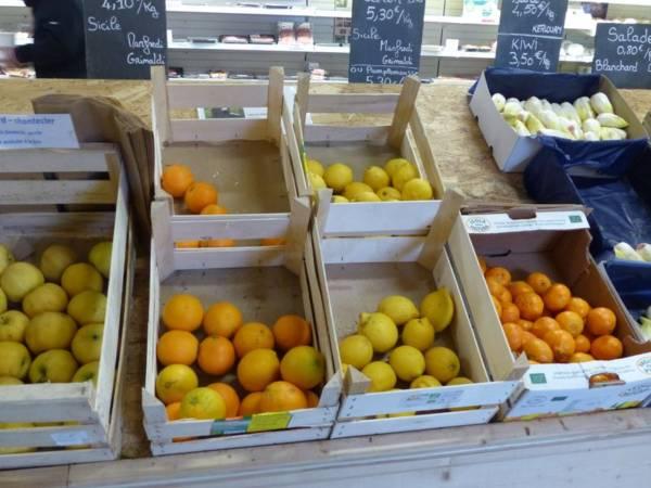 Fruits proposés au magasin de la ferme de Keroudy